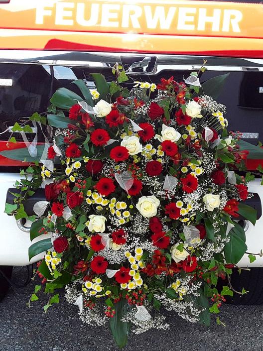 Blumenbuket Feuerwehrauto