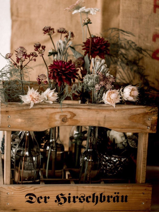 dekorierte Weinkisten